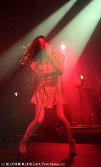 8) Blonde Redhead (c) Tony Molina photo