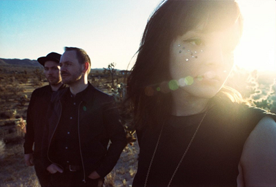 Chvrches-2016-Los-Angeles-Fairbanks-Lawn-Outdoors-Hollywood-Forever-Cemetery-Every-Open-Eye-Localchella-Coachella