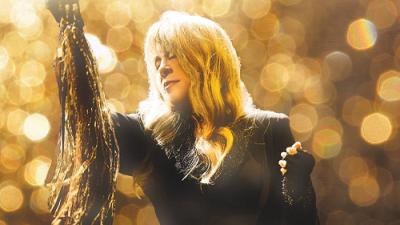 Stevie-Nicks-2016-Los-Angeles-The-Forum-Inglewood-The-Pretenders-24-Karat-Gold-Tour