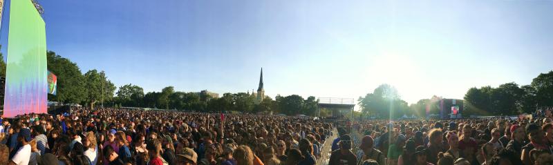 Crowd (77)