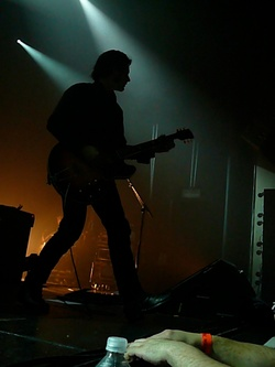 Peter_silhouette_wiltern_2